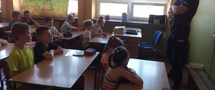 Spotkanie uczniów z dzielnicowym.